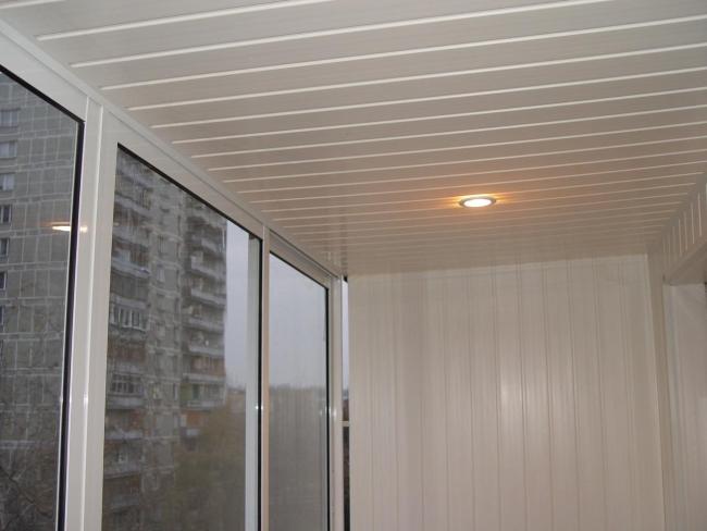 Lambris Lame Extra Large Drancy Prix D 39 Une Renovation Appartement Lambris Mural Escalier