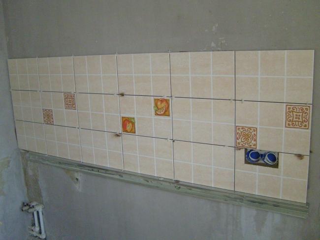 сколько нужно плитки для фартука на кухню