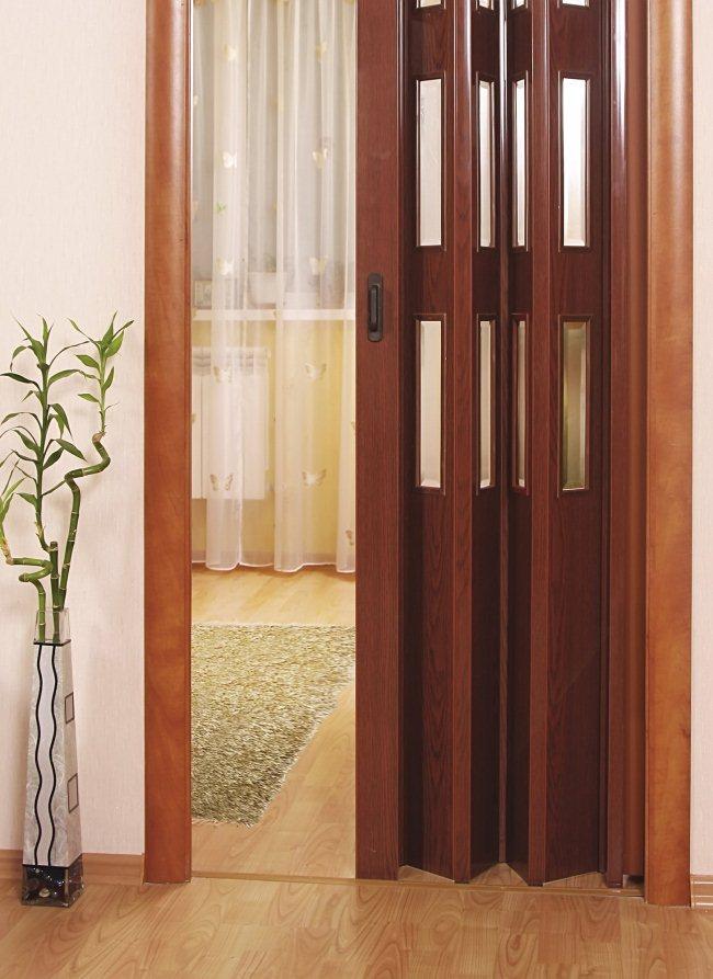деревянная дверь гармошка в интерьере строительный вестник