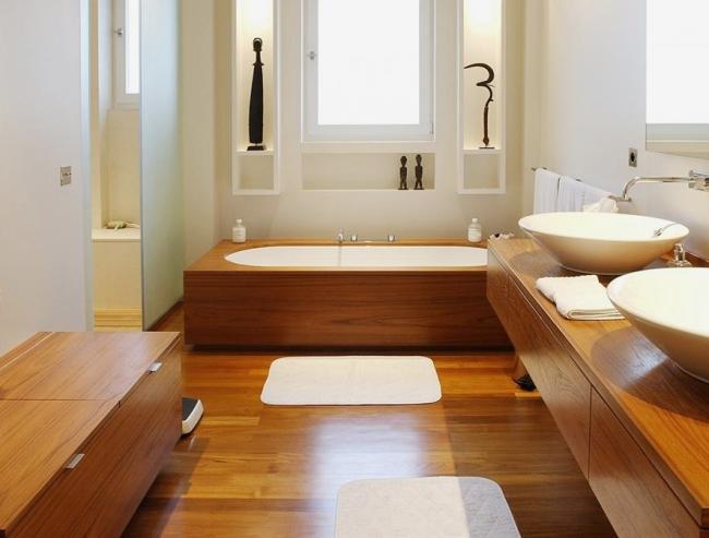 Ванная комната в деревянном доме 42