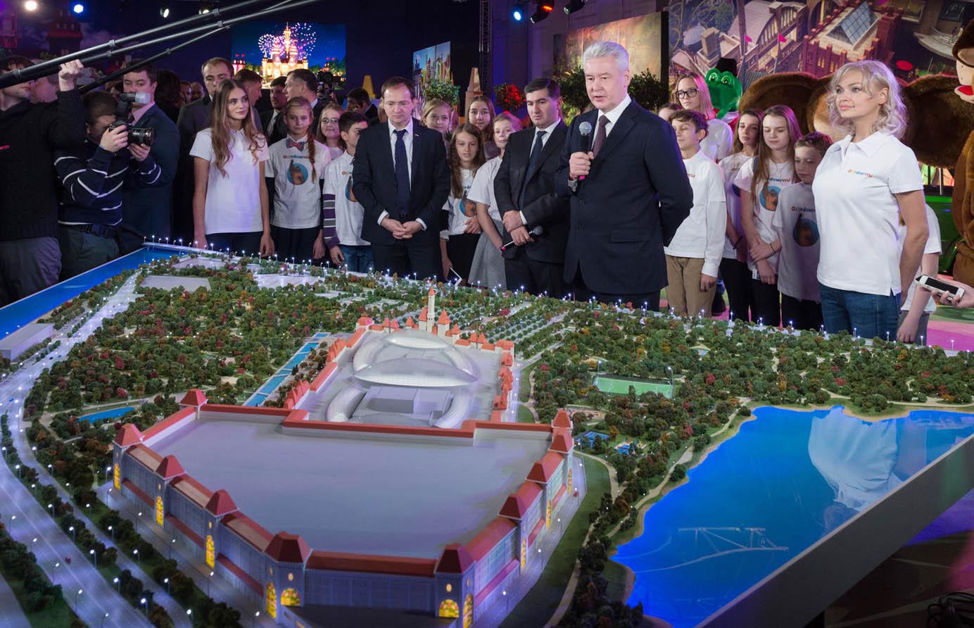 Остров мечты 2018: Диснейленд в Москве, строительство детского парка развлечений